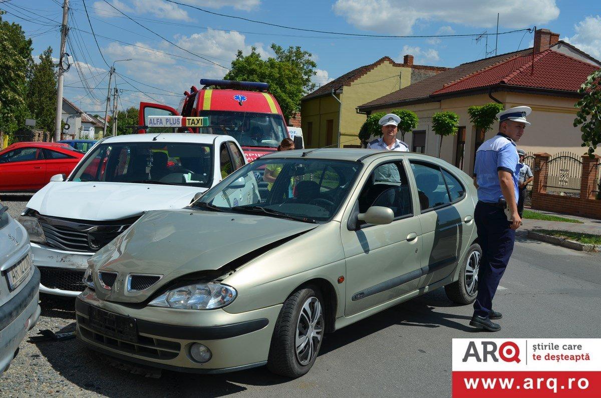 Accident cu femeie contra femeie pe str. Liviu Rebreanu