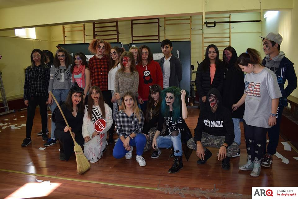 Funny Halloween la Liceul Tehnologic Francisc Neuman din Arad!  We had lots of fun!