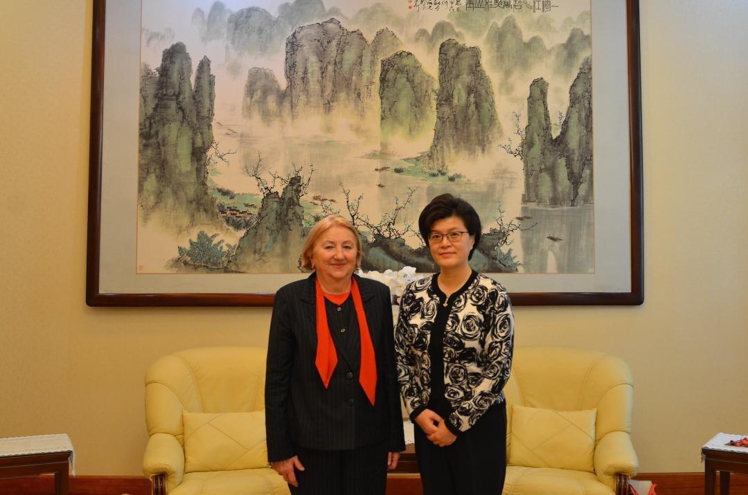 Prof. univ. dr. Lizica Mihuț a fost primită la Ambasada Chinei de E.S. Yu Jiang, ambasadoarea Republicii Populare Chineze în România
