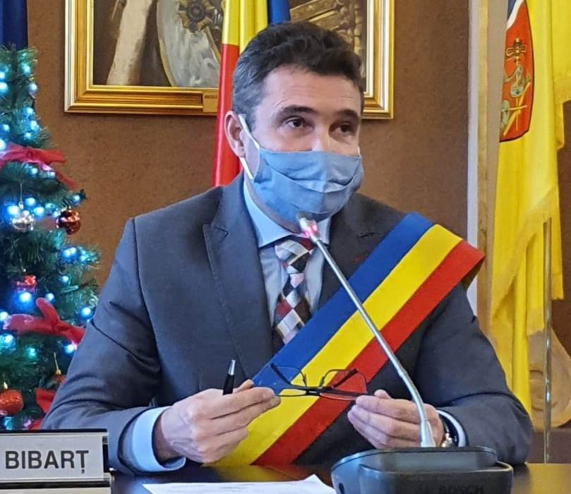 "Călin Bibarț: ""Distribuim rapid peste 500 de tablete elevilor din municipiu"""