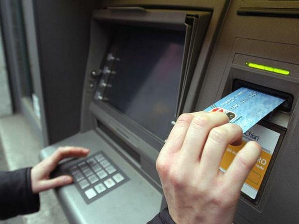 Cinci lucruri pe care trebuie să le știi neapărat despre bancomate, telefoanele mobile și mașina personală